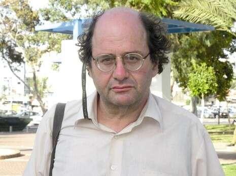 אדם קלר, ממייסדי ודובר 'תנועת גוש שלום' בתל אביב, פעיל שמאל רדיקלי