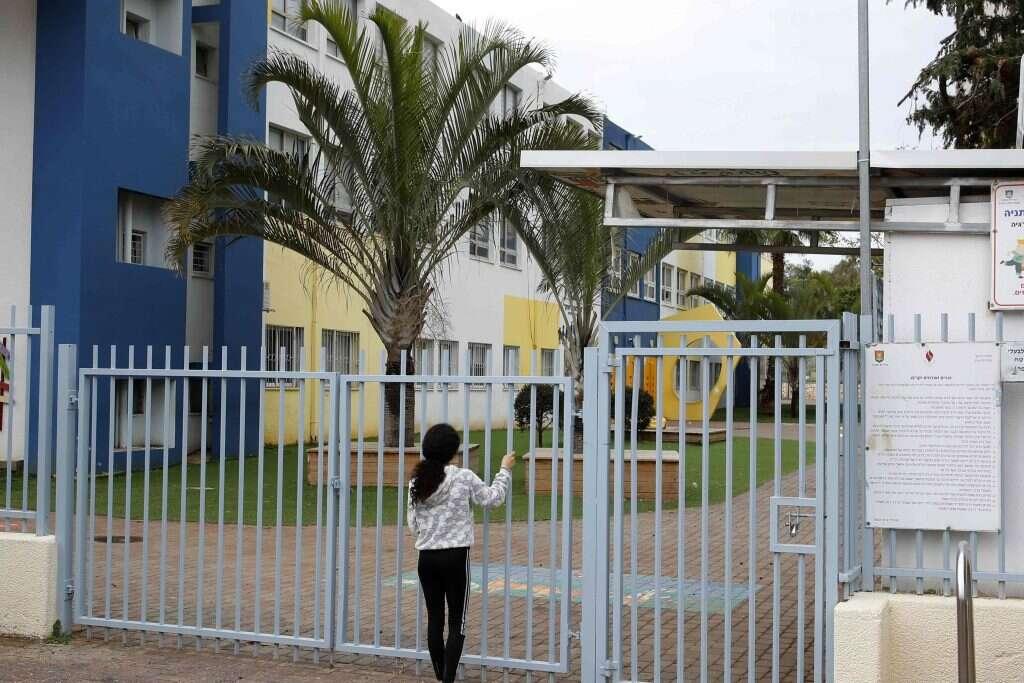 """""""כואב הלב על הזלזול"""": עובדי החינוך שנותרו מאחור"""
